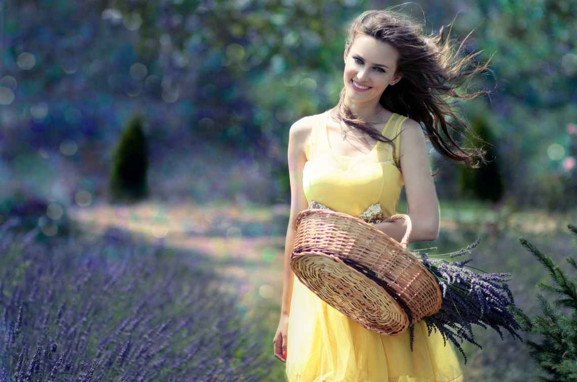girl-lavender-cos-flowers-160555.jpeg
